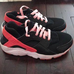 Nike huarache girls grade school